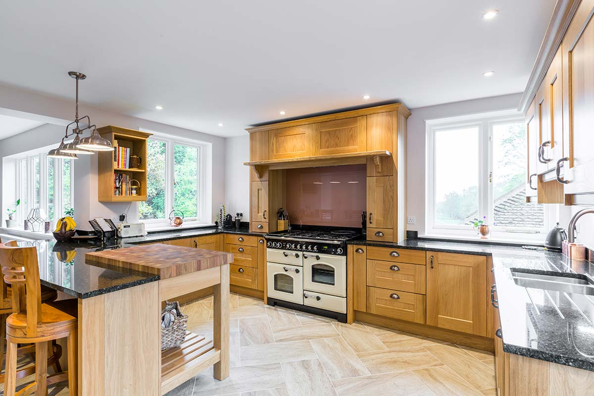 Oak Shaker kitchen with granite worktop