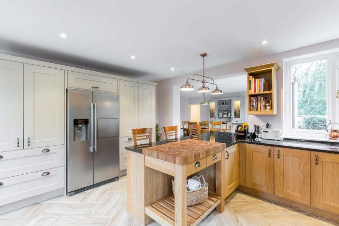 Oak Shaker kitchen with granite worktop