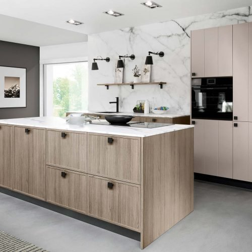 kitchen trends, black features