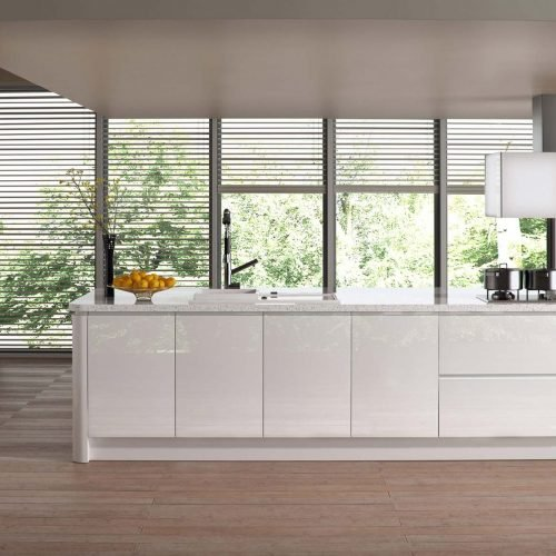 White-gloss-contemporary-kitchen_wood-floor_quart-worktop_feature-extractor-fan_minimalist-kitchen-UF