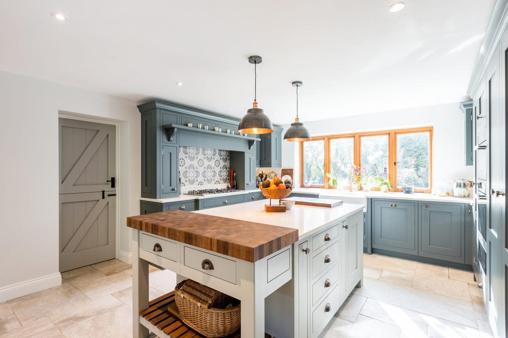 Grey shaker kitchen & utility